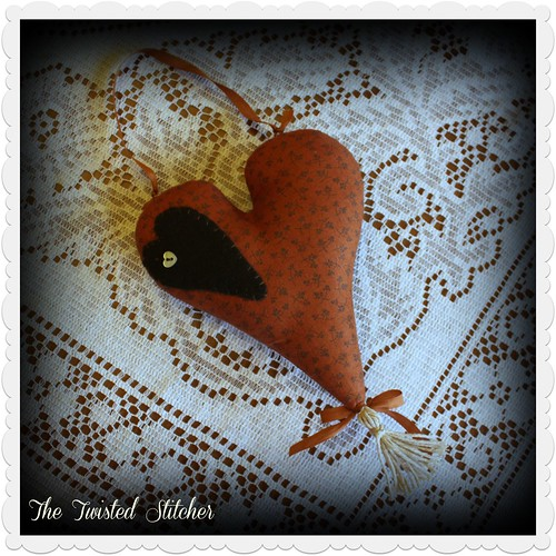 Cinnamon Hearts backside by Threadwork Primitives