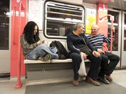 Personaggi in metro, #punkabbestia ? by Ylbert Durishti