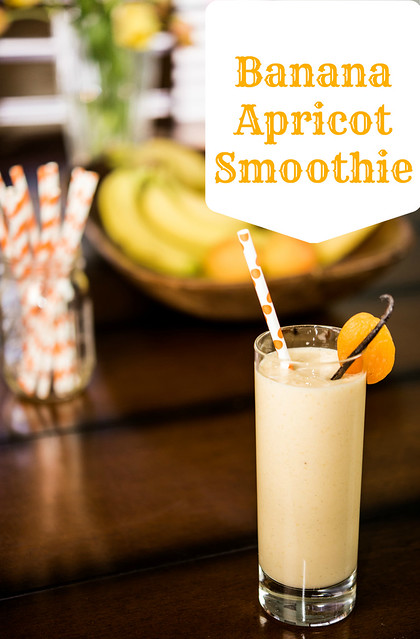 banana apricot smoothie in_The_know_mom