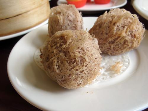 台南餐廳推薦_公司行號聚餐好選擇:台南商務會館_蜂巢芋頭餃01