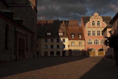 street light sunset red summer canon germany square tramonto shadows village traditional pietre villingen d40