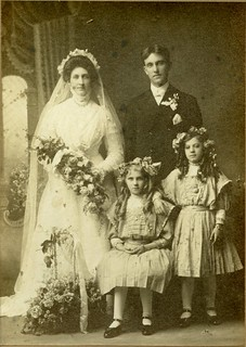 Minnie Harms, John Berndt & flower girls.