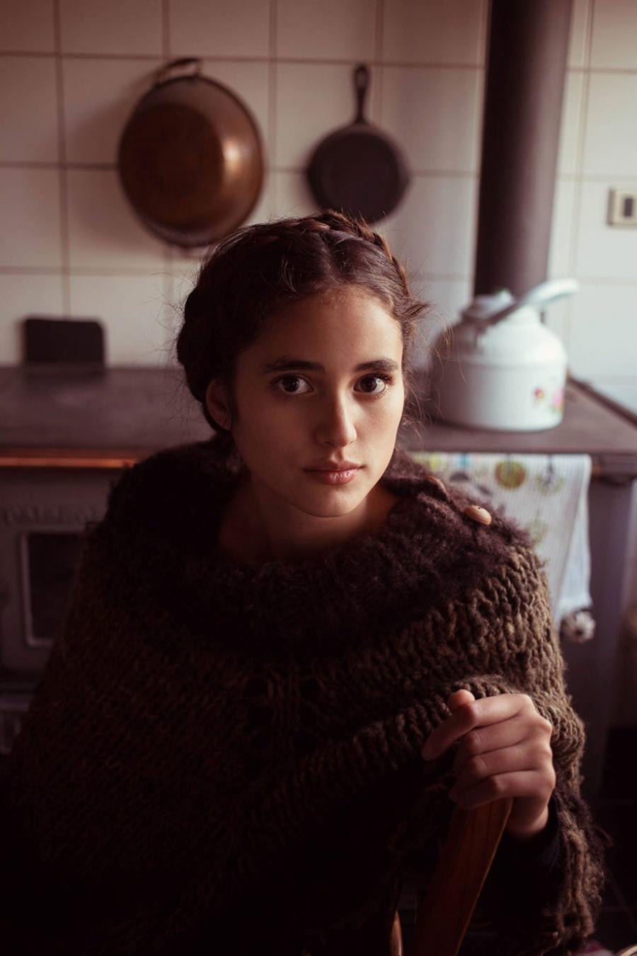 13379760-R3L8T8D-900-different-countries-women-portrait-photography-michaela-noroc-14-El-Paico-Chile