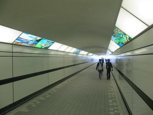 函館競馬場の内馬場への通路