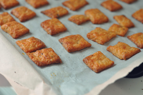 Sriracha Cheez-its