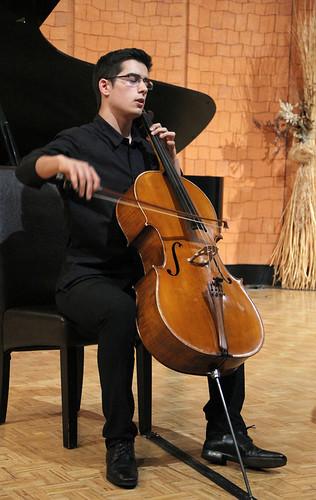 DAVID MARTÍN GUTIÉRREZ, VIOLONCELLO - CONCIERTOS PREMIOS EXTRAORDINARIOS 2012 ENSEÑANZAS PROFESIONALES DE MÚSICA - LEÓN 10 DE MAYO´13