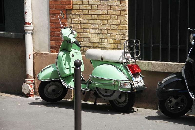 PARIS lördag