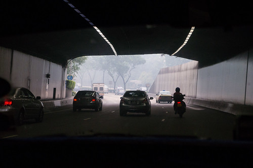 Coming out from a tunnel, the midst can be seen on the streets, greatly reducing visibility.