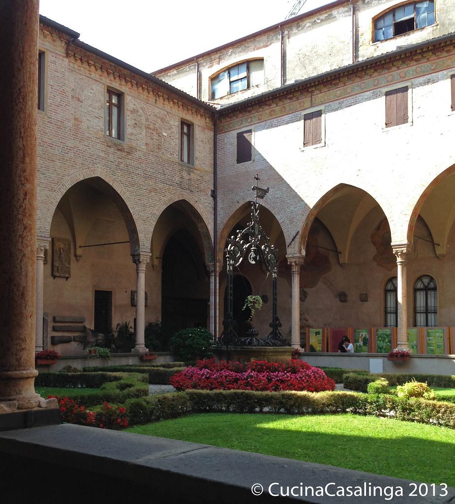 Padua Basilica di Sant'Antonio Innenhof