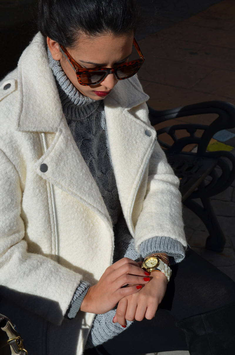 how to wear white jacket