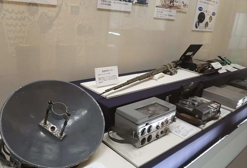 展場展示了各時代的錄音器材。攝影:范欽慧