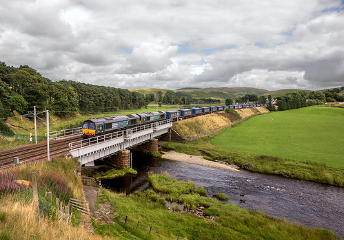 scotland riverclyde tesco crawford intermodal drs directrailservices 66304 66424 mossend lessco2 4s43 railfreightdaventry