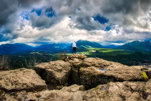 travel portrait cliff selfportrait nature clouds self landscape outdoors washington view hiking hike adventure ledge rattlesnakeledge