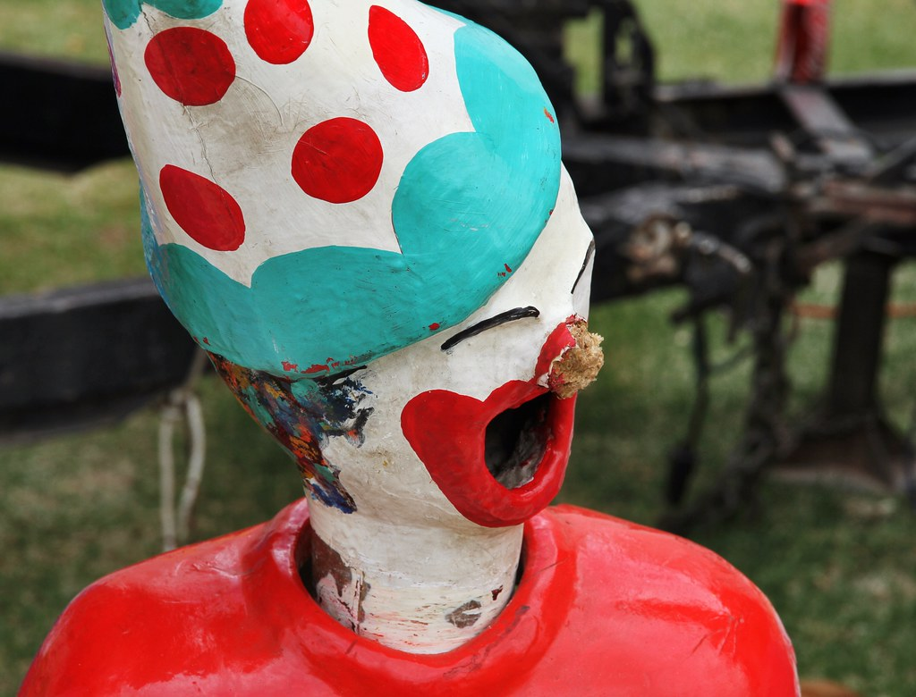 Scariest Mechanical Clown Head - Harvey Show 2014