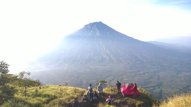Gunung Sumbing (view dari Gunung Sindoro)