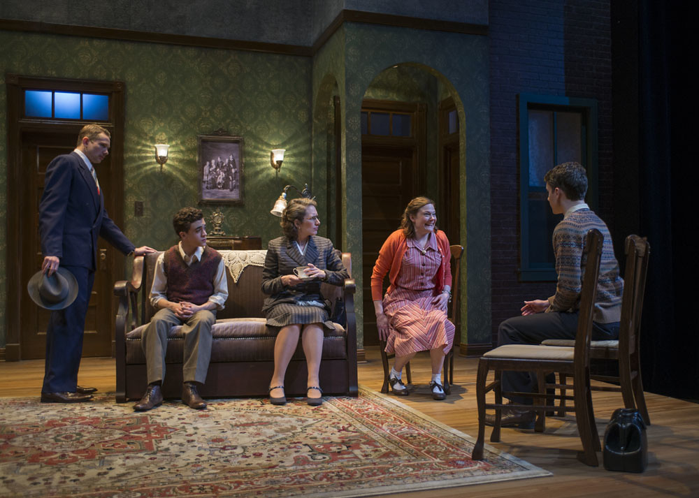 (L-r) Erik Hellman (Louie), Sebastian W. Weigman (Arty), Anne Fogarty (Gert), Linsey Page Morton (Bella), and Alistair Sewell (Jay)