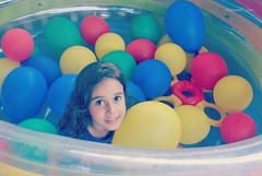 toy(0.0), play(1.0), ball pit(1.0), blue(1.0),