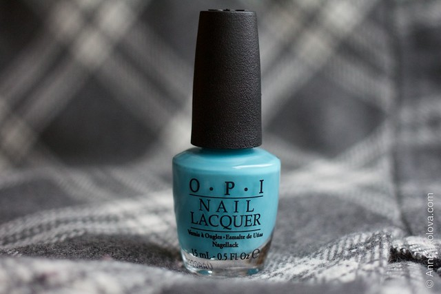 01 OPI   Can't Find My Czechbook