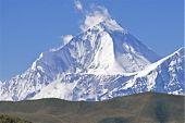 Zelt-Trekking Nepal, Dhaulagiri-Runde. Das gewaltige Massiv des Dhaulagiri 1, 8167 m, von Nordosten. Foto: Archiv Härter.