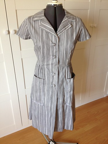 gray Butterick 9542 front view