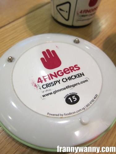 4 fingers 2