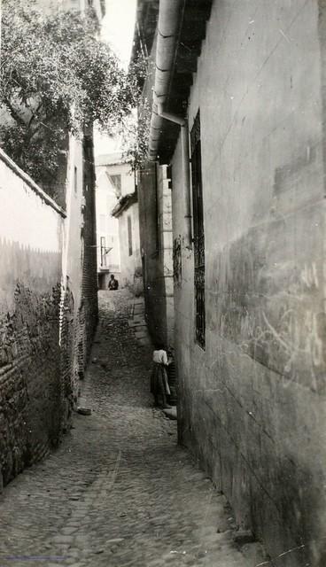 Calle del Cristo de la Calavera en 1927. Fotografía de Joaquín Turina © Fundación Juan March