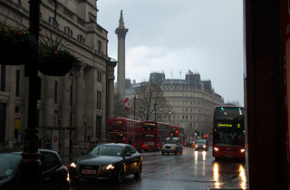 Près de Trafalgar Square sous le déluge !