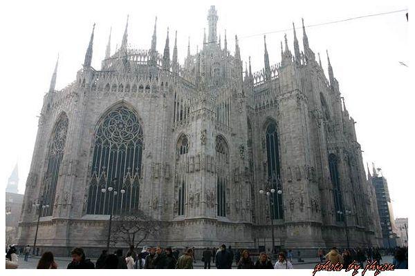 1108878321_雄偉壯觀、雕工精細的米蘭大教堂