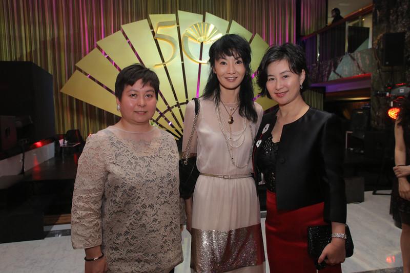 Maisy Ho Maggie Ho Pansy Ho at MOHKG Gala Oct 17.jpg