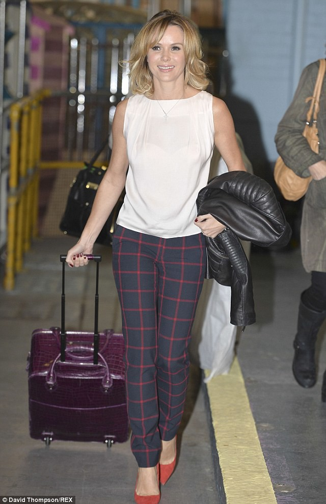 how to wear checked trousers, Checked Trousers, zara checked trousers