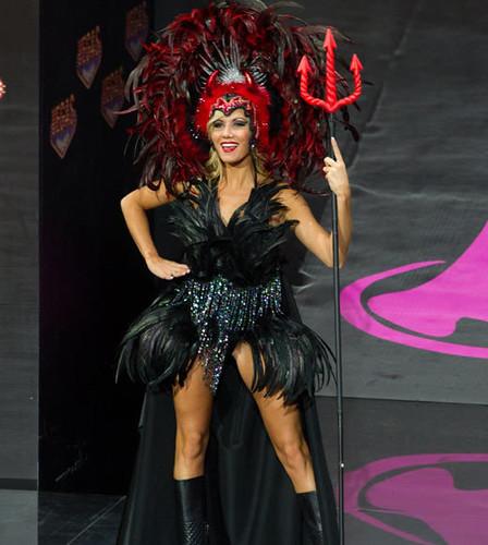 miss-universe-2013-costumes-miss-belgium