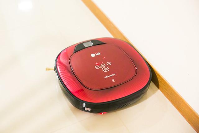 [廠商邀稿] 美麗高科技! LG 雙眼小精靈掃地機器人 @3C 達人廖阿輝