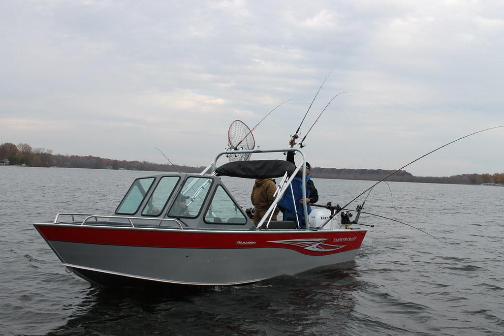 Phantom 202 american angler by smoker craft for Angler fishing boat