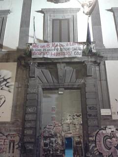 [Napoli] Presidio presso il Mc Donald's di Piazza Municipio - Altro che mimose e cioccolatini... questo è un 8 marzo di lotta!