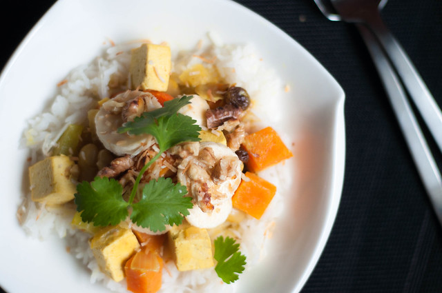 hawaiian tofu curry with banana, coconut and walnuts