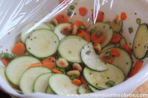 Ensalada de calabacín, espárragos y zanahoria www.cocinandoentreolivos (12)