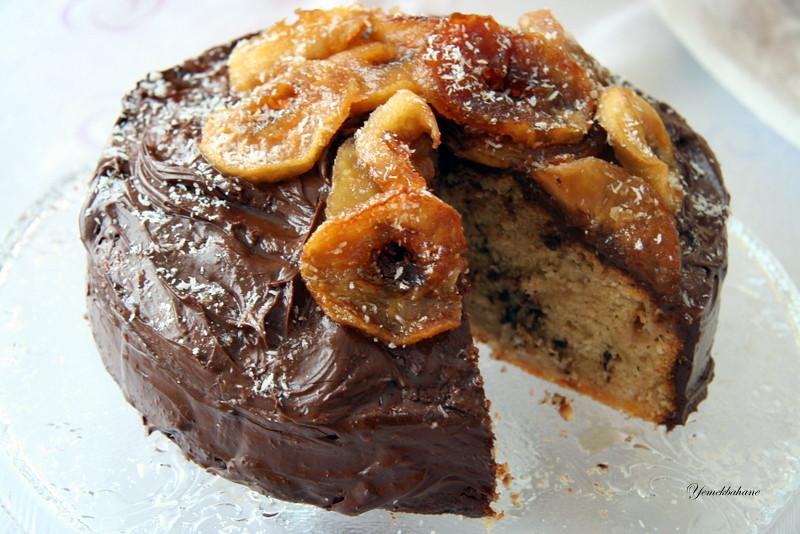 Karamelize Elmalı Çikolatalı Pasta