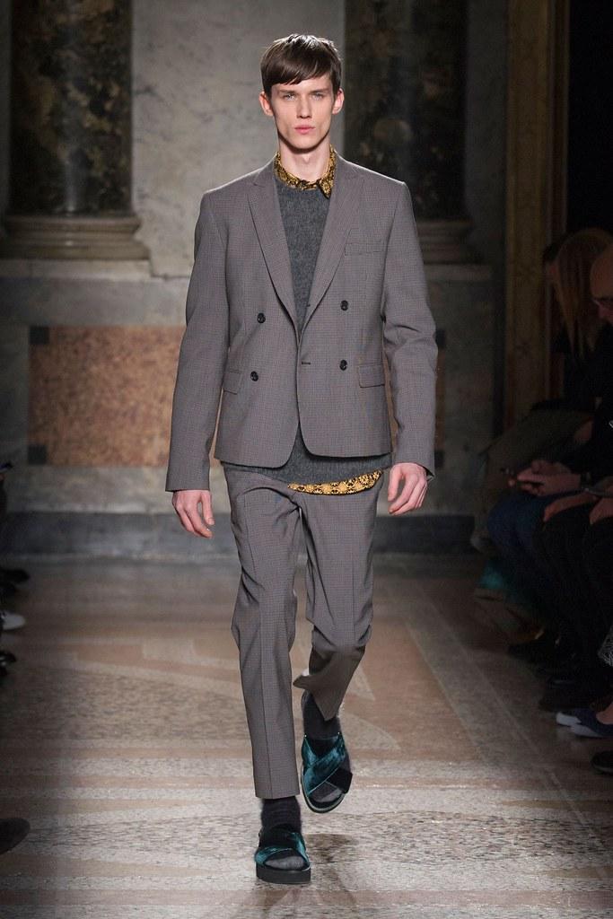 Yulian Antukh(Antuh)3093_FW15 Milan No. 21(fashionising.com)