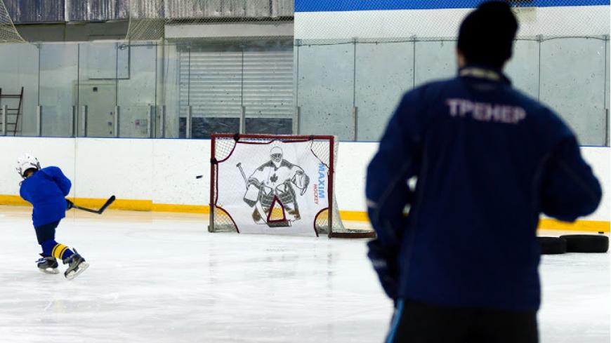 Детский хоккейный лагерь открывается в «Бархатных сезонах»