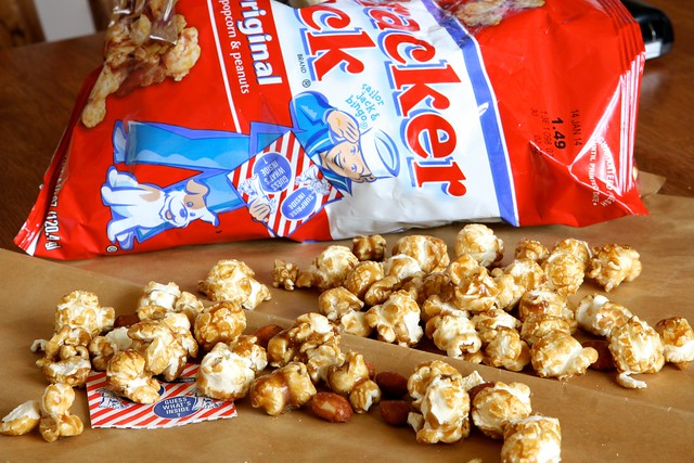 Cracker jack toffee 011