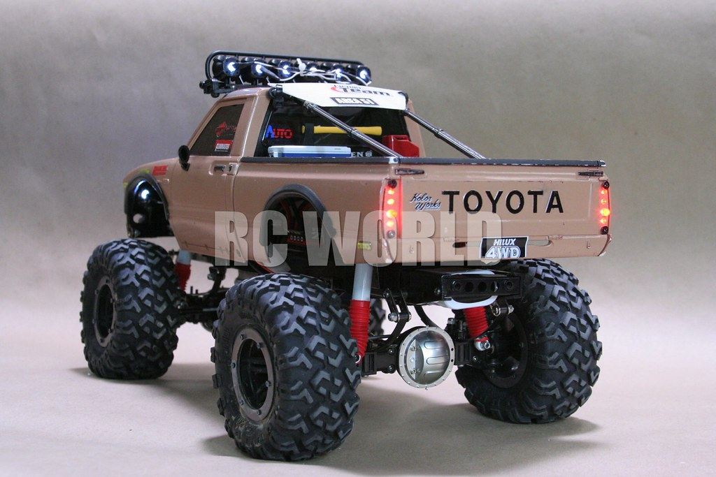 tamiya highlift rc toyota hilux monster truck a photo on. Black Bedroom Furniture Sets. Home Design Ideas