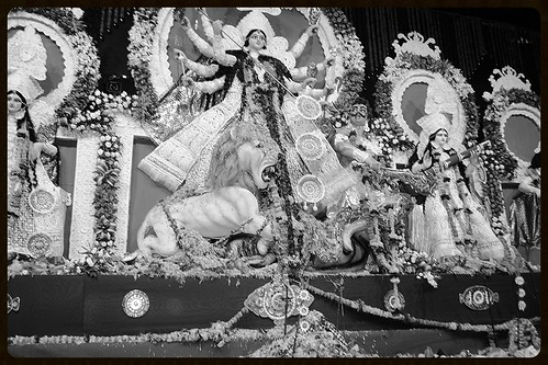 North Bombay Sarbojnin Durga Shot By Marziya Shakir 3 1/2 year old by firoze shakir photographerno1