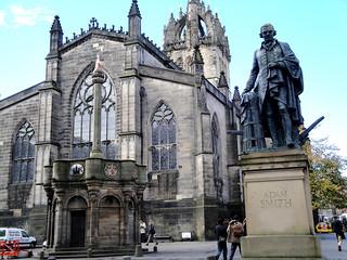 Monumento a Adam Smith.