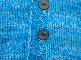 Cardigan_2013_04_14_v-neck_Fabel-turquoise_3_detail