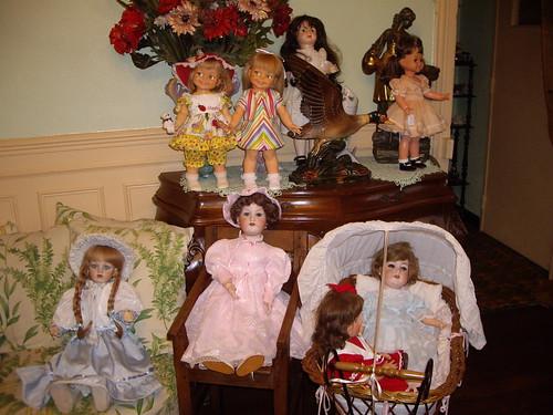 Les poupées de ma maison  11368159364_b05f06ae7b