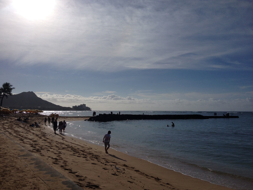 morning of waikiki beach