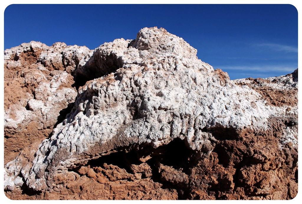 valle de la muerte atacama desert salt mountain