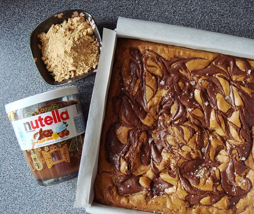 Kinako Blondies with Nutella Swirl