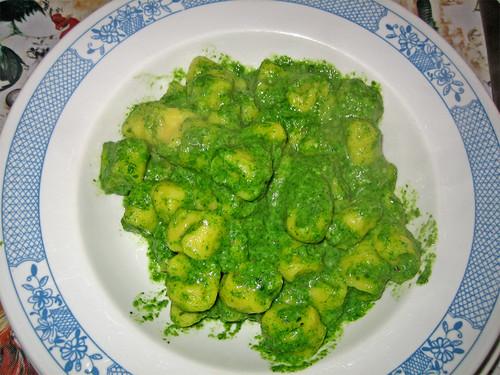 Gnocchi di caprino e curcuma con salsa antica agli spinaci by fugzu