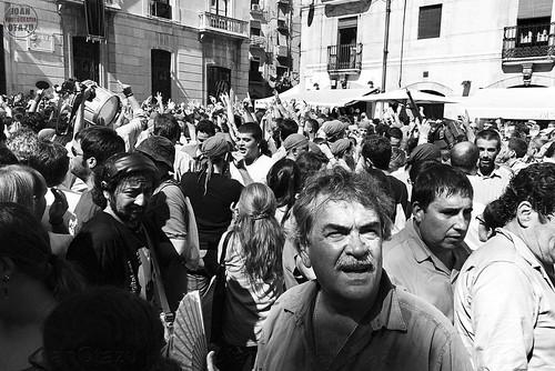 AQUÍ CAIC AQUÍ M'AIXECO by JoanOtazu